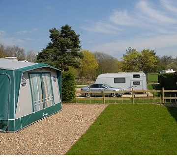 Camping Holiday Parks - Swiss Farm, Henley On Thames