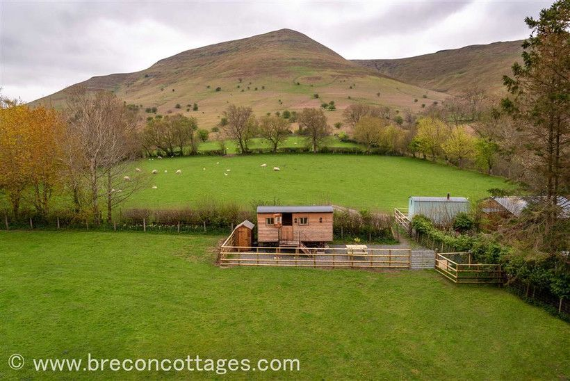 Brecon Beacons Holiday Cottages & Glamping